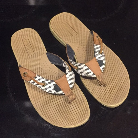 Sperry Seafish Thong Sandal Womens Size